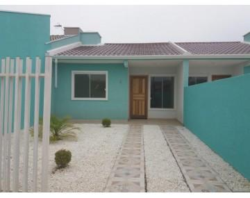 Casa em Fazenda Rio Grande, próximo da avenida, no Green Field.