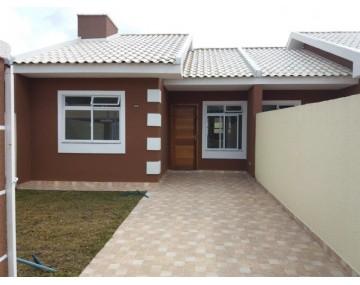 Casa com 3 quartos em Fazenda Rio Grande, Bairro Eucaliptos.
