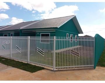 Casa de esquina em Fazenda Rio Grande, no condomínio Green Field.