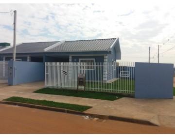 Casa de esquina com 2 quartos, Jardim Brasil Fazenda Rio Grande.
